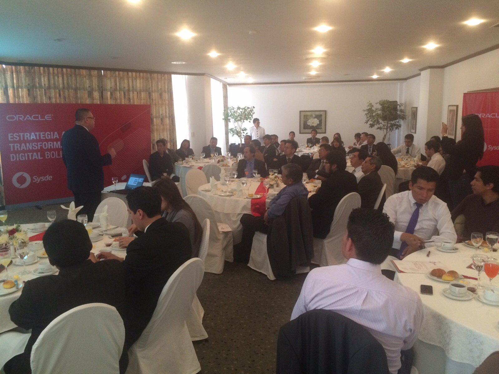 SYSDE-ORACLE - Estrategia a una Transformación Digital Bolivia